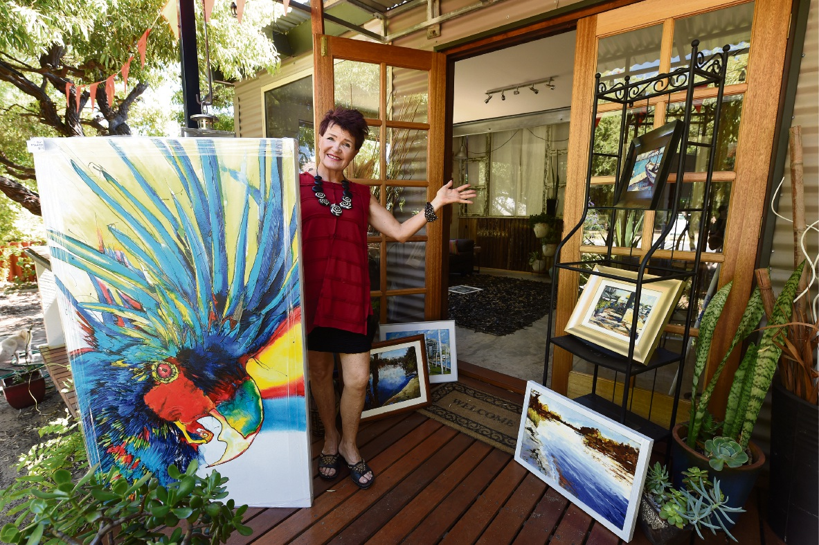 Mandurah artist shares her gorgeous home featuring recycled items