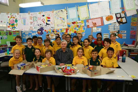 Kensington Primary School Class 10 with Philip Cunnington (centre). Picture: Bronwyn Donovan