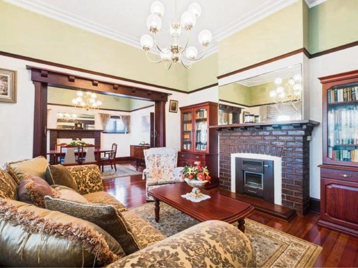 1 Melrose Crescent, Menora – from $1.595 million