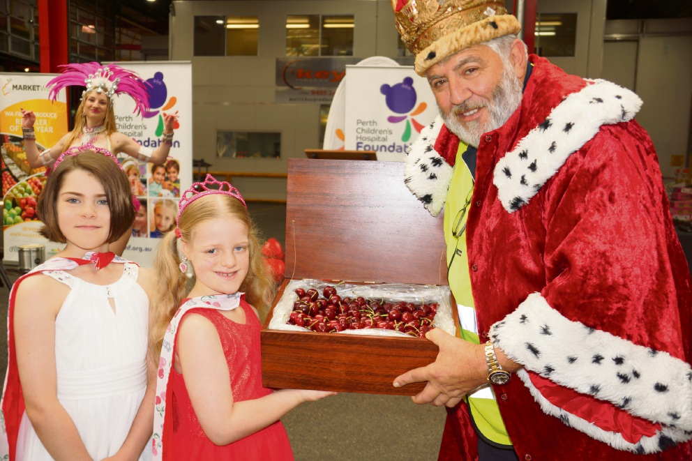 Champion Lakes sisters Eva and Andie McAuliffe with Cherry King John Ale.