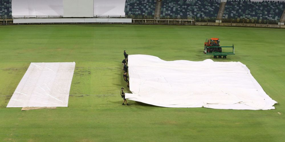 Not the sight we want to see at the WACA on Sunday or Monday. Photo: Getty