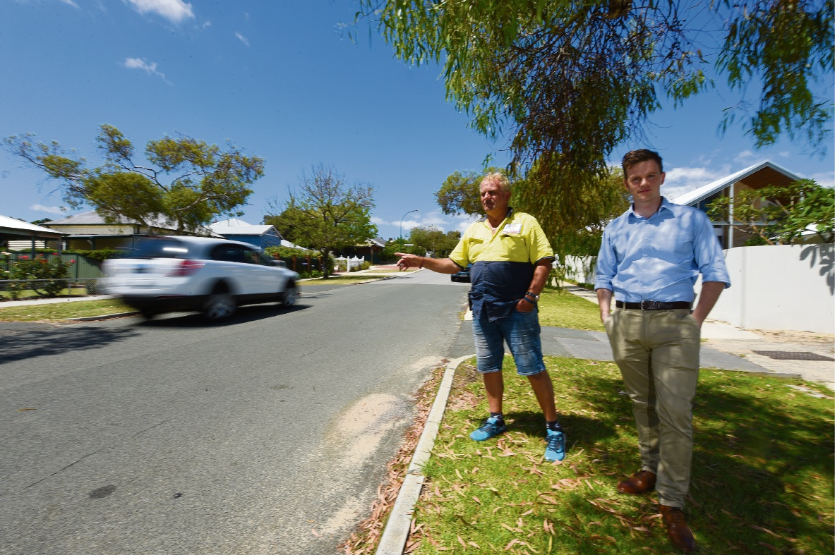 Brent Moate and Julian Hilton on State Street. Picture: Jon Hewson www.communitypix.com.au d477567