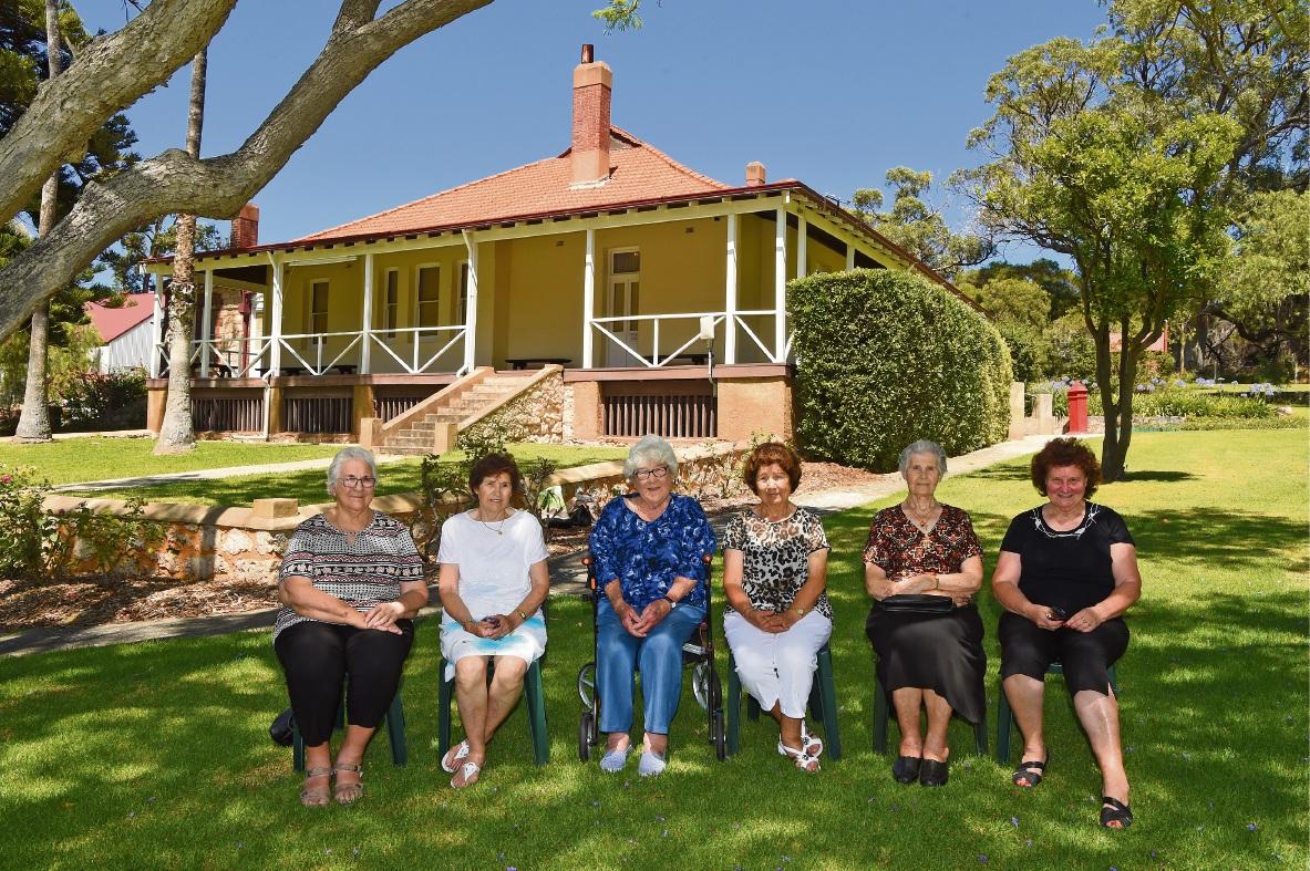 Faye Gatti, Rina Loureta, Vini Kenda, Elsie Gasper, Anka Radalt and Donna Covich. Picture: Jon Hewson www.communitypix.com.au d477493