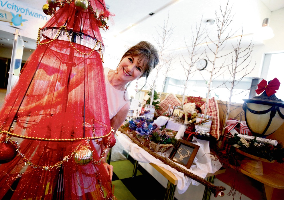 Mindarie artist uses recycled decorations to deck out Clarkson Library for Christmas