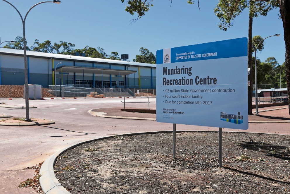 The new Mundaring Recreation Centre under construction.  d477905