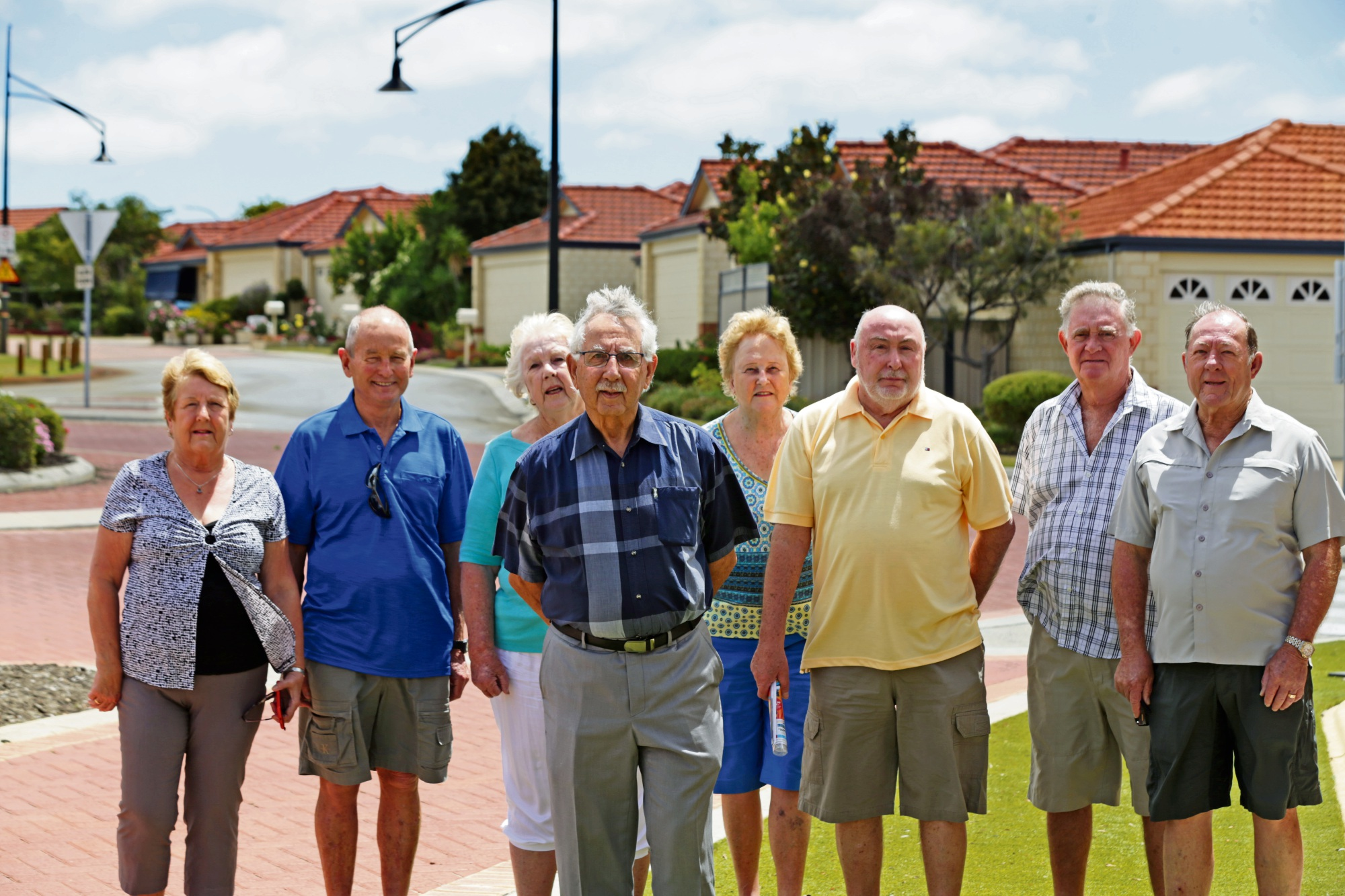 Settlers Ridgewood Rise residents Elaine Fleming, Trevor Beal, Ann Klemm, Ray Thompson, Penny Beal, Bernie Frayne, Brian Griffin and John Ashley. Picture: Martin Kennealey d478011