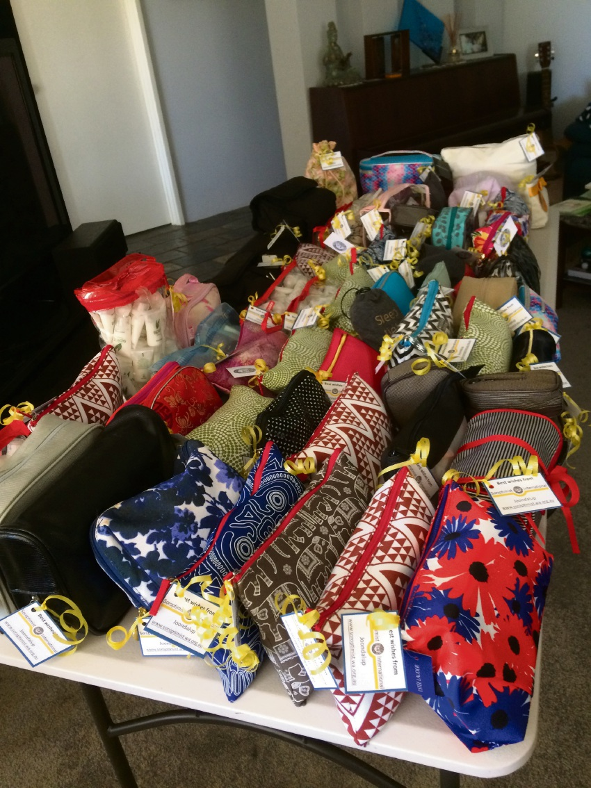 Soroptimist International in Joondalup has put together toiletry bags for the Yellow Ribbon Project.