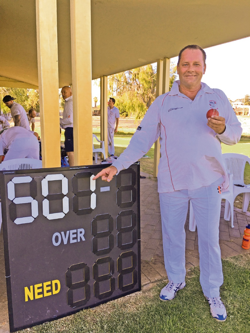 Armadale's Warren Francis grabbed his 500th career wicket on the weekend.