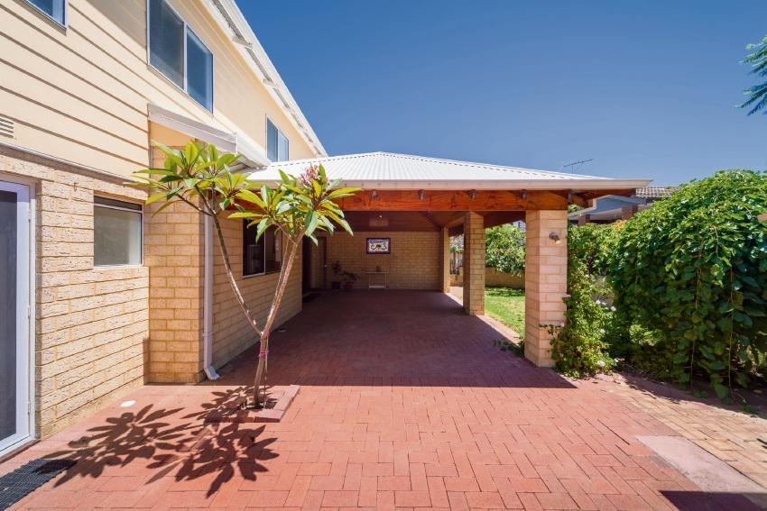 Wanneroo, 182 Scenic Drive – $579,000