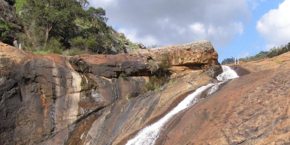 Serpentine Falls closed to swimmers