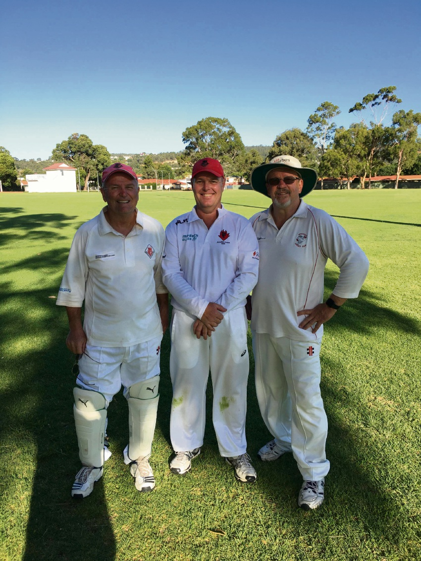 Armadale 400-gamer David Armstrong (centre) with teammates Steve Jones and Peter Smith.