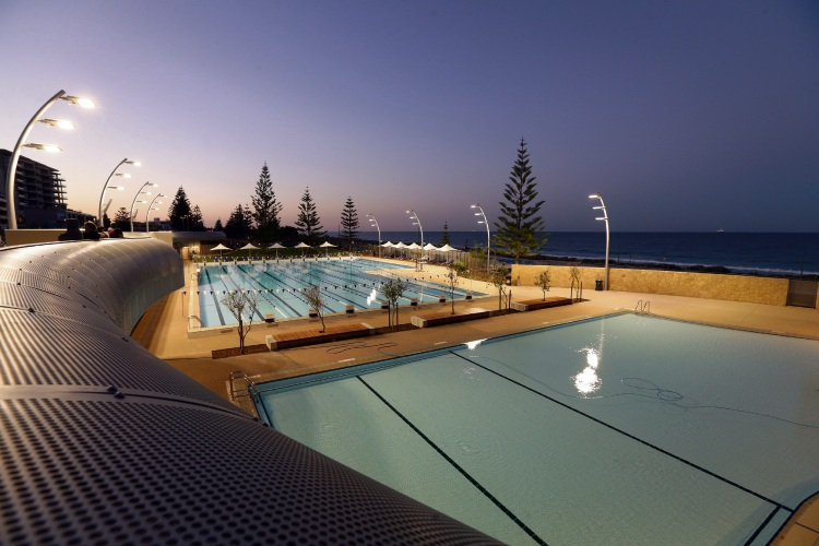 The new Scarborough Beach Pool. Photo: Martin Kennealey