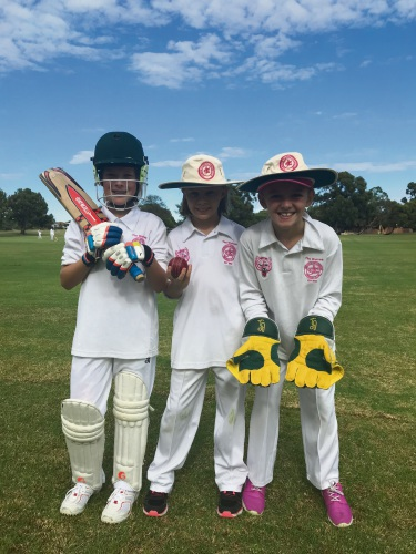 Joondalup-Kinross under-13s girls team members Olivia Brice (bat), Georgia Byrne (ball) and Polly Phillips (gloves).
