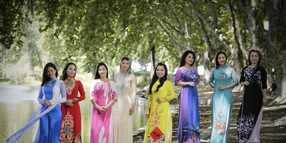 Nguyen Tran, Khanh Nguyen, Thuy Glossop, Jasmine Nguyen, Thyna Bui, Huong Dinh, Quinne Le and Trang Le dressed for Tet New Year. Picture: Andrew Ritchie d479513