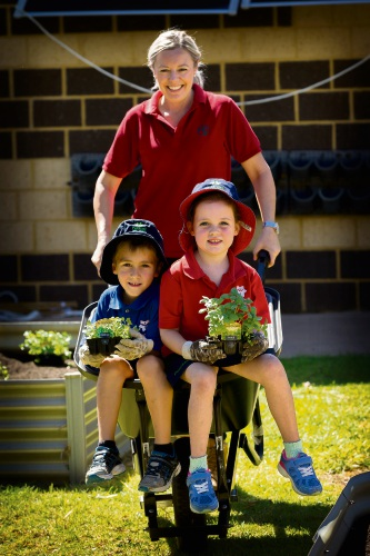 Tracy Madden from Bunnings Wangara with Joel Healey and Ava Sheath. Picture: Will Russell