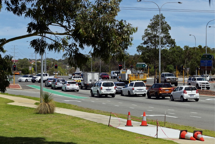 Main Roads WA warns of gridlock at Wanneroo Rd-Joondalup Dve intersection without upgrades