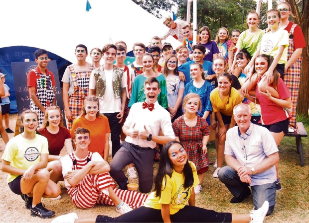 The Canning Vale College Circus Troupe.
