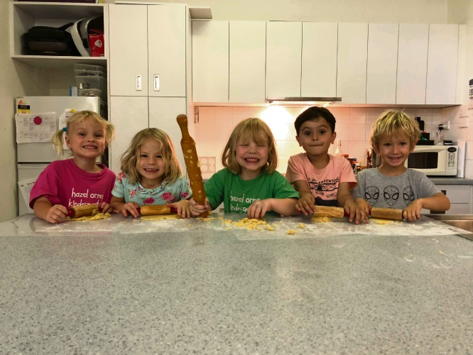 Zali, Gracie, Alfie, John and Jude in the kitchen. Picture: Leah Roberts