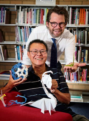 Origami expert Sanny Ang with Cr Dan Bull (Bayswater Mayor), displaying some Origami art.  Origami artist Sanny Ang will be conducting a free workshop at Bayswater Library in March. Picture: David Baylis www.communitypix.com.au d480020