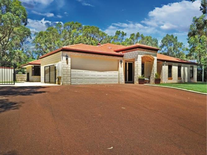 18 Oak Way, Baldivis – From $860,000