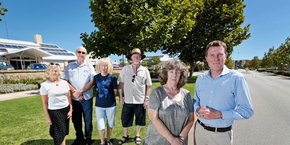Concerned residents Christine Pitter, Heinz Vielhaven, Dianne and Justin McVeigh and Susan Hunter with Christian Porter MP (Member for Pearce). Concerned local residents L-R: Christine Pitter, Heinz Vielhaven, Dianne and Justin McVeigh and Susan Hunter with Federal Member for Pearce Christian Porter. Picture: David Baylis www.communitypix.com.au d480275