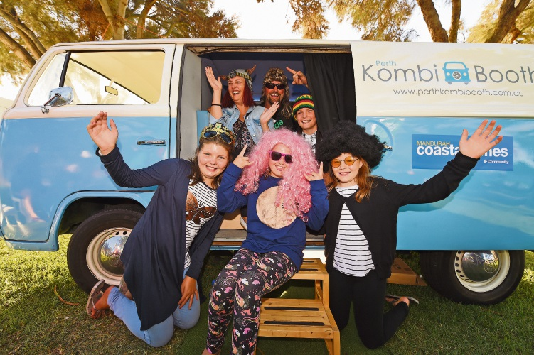 Trevor and Lilly Brand with Luke and Shyla, Mikayla Anderson and Tamsyn Nicholls at the Perth Kombi Booth.  Picture: Jon Hewson www.communitypix.com.au   d480776