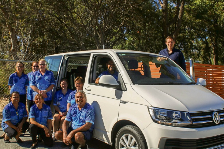 Andrew Hastie and members of Nidjalla Wanngan Mia and the new van.