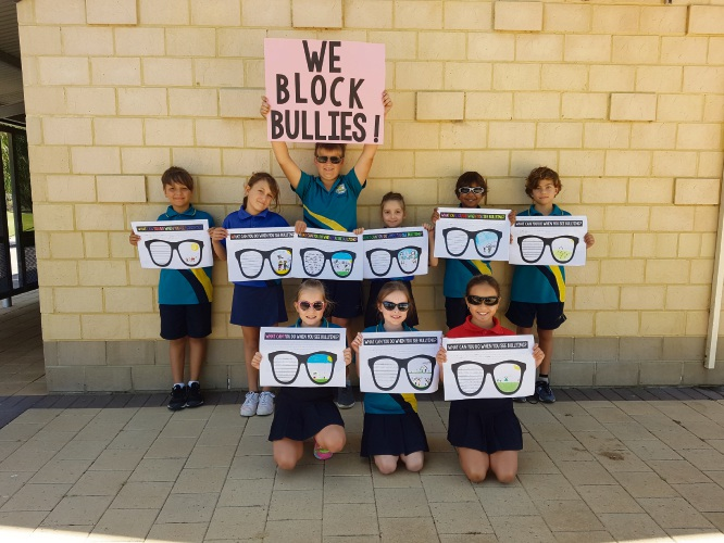 Year 4 students spread their anti-bullying messages.