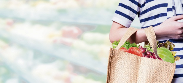 Residents could be provided with reusable shopping bags by the City of Melville to help them transition away from single-use plastic. Picture: Stock image