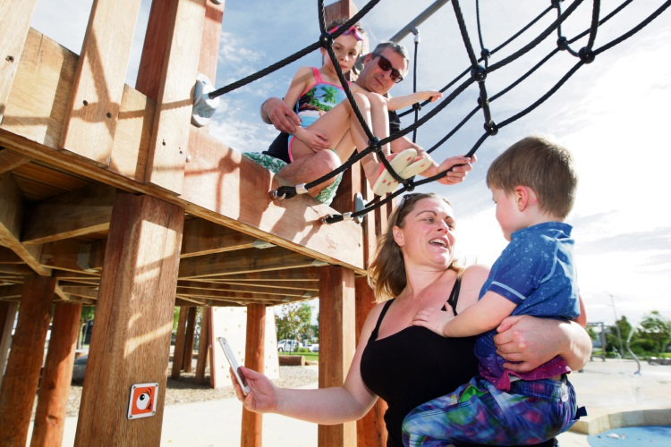 Andrea Devine and son Nathan (4), looking on is her husband Ian and daughter Chloe (7). Picture: Bruce Hunt d480664