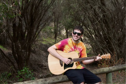 Darren Guthrie plays three performances in the Mandurah area.