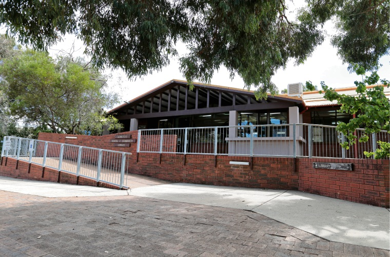 City of Kalamunda decided not to close the Lesmurdie Community Library, which is a shared facility with the Lesmurdie High School. Picture: David Baylis d481186