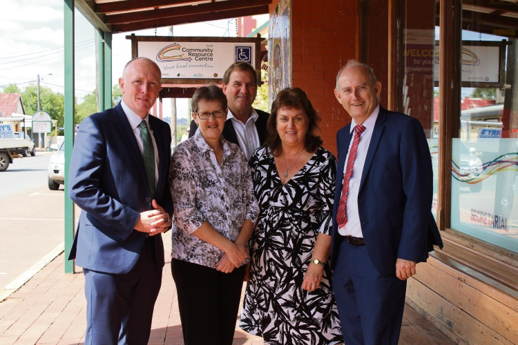 Farmers Robyn Davies and Kay Davies (centre) met Environment Minister Stephen Dawson (left), Laurie Graham MLC and Darren West MLC (back) on a recent visit to York and spoke about their landfill concerns. Picture: Supplied