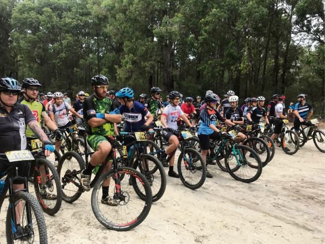 D-grade men and B-grade women start line. Picture: Will Wishart