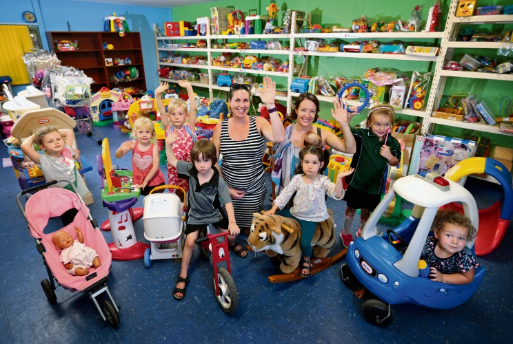 Back: Mackenzie Roche (5), Mundaring Toy Library secretary Emma Oliver, membership officer Marnie Mallie and Celeste Mallie (3 months); Front: Jacob Newton (5) and Sylvie Mallie (3). Picture: David Baylis