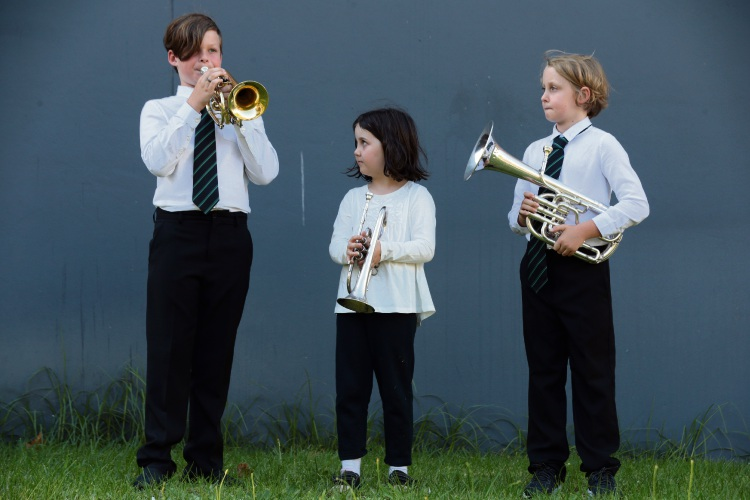 Brothers Joseph (11) and Charlie (8) Slack (Woodvale) with Alice Wileman (centre, 7, Banksia Grove). Picture: Martin Kennealey d481160