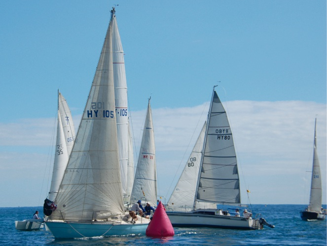 Blue Chip leads around the top mark.