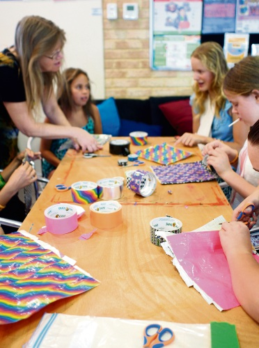 Kids craft activities at Canning libraries.