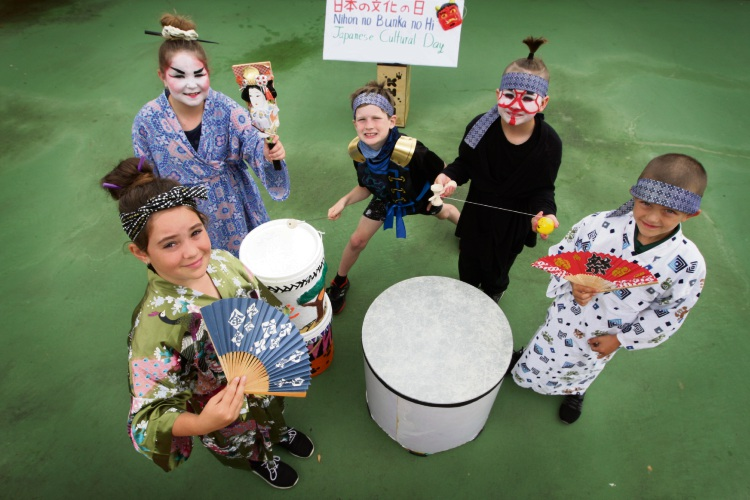 Clifton Hills Primary School students Tayla Shorter, Bella Nielsen, Laith Powell, Daniel Nielsen and Mark Purser. Picture: Bruce Hunt d481375