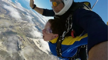 Aishling Ni Bhrionn completing her skydive.