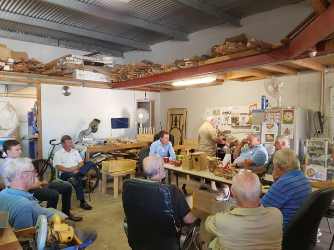 Pearce MHR Christian Porter meets with Yanchep Community Men's Shed members.