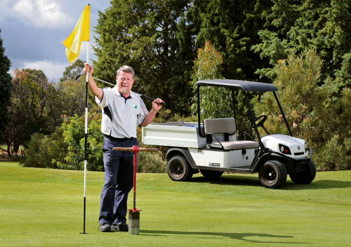 Hartfield Golf Club course director John Forrest recently won a Golf WA Award for his contribution to the industry.