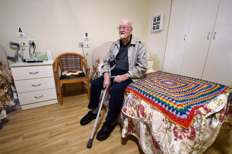 Anzac Day triggers many memories for Mandurah resident Leslie Williams. Photo: Jon Hewson