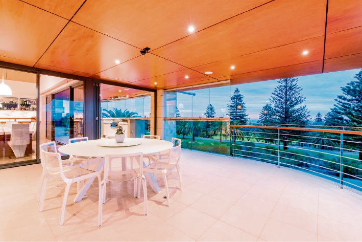 3 Taworri Way, City Beach – Offers by April 24