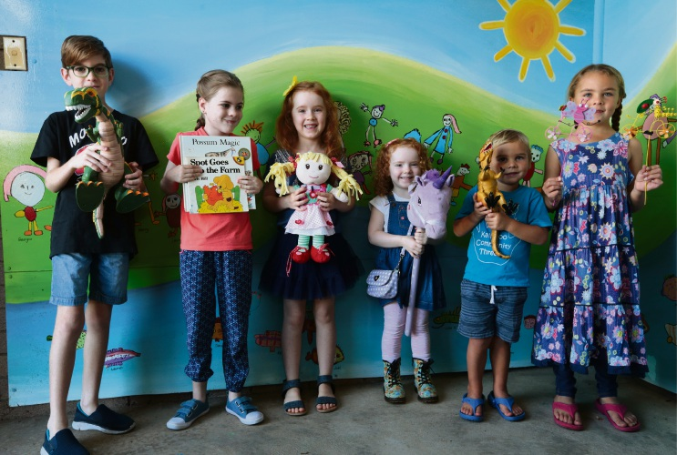 Hunter Smith (10), Keely Smith (9), Eliana Chester (6), Charlotte Chester (3), Daniel Appelboom (3) and Kate Appelboom (6). Picture: Martin Kennealey d481905