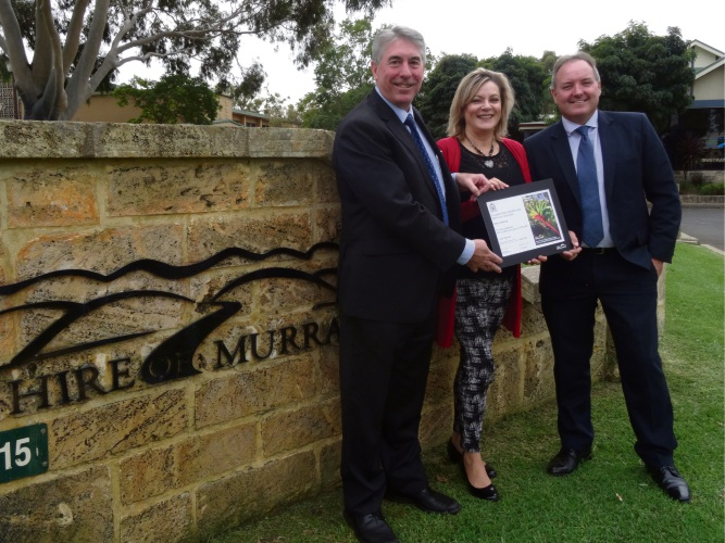 Shire of Murray President David Bolt, Murray-Wellington MLA Robyn Clarke and chief executive Dean Unsworth.
