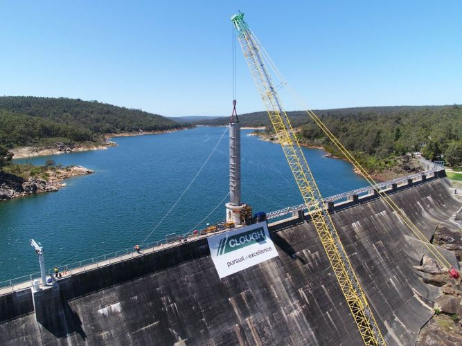A crane working at Mundaring Weir. Photo: Water Corporation