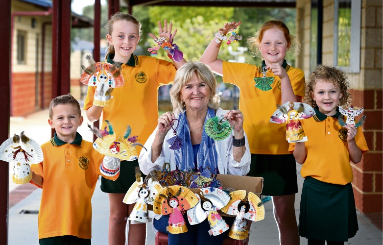 L-R: Zander Brennan (4), Emily Morriss (11), Ros Worthington OAM, Rosie Kelly (9) and Maddison Brennan (6).  Wattle Grove Primary School students help to make Love Angels for a Mother''s Day fundraiser at Kings Park. Picture: David Baylis www.communitypix.com.au   d481989
