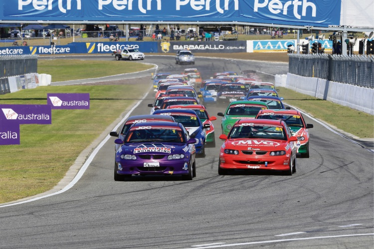 Grant Johnson in purple VT Commodore won convincingly. Pictures: Barnsiesphotos