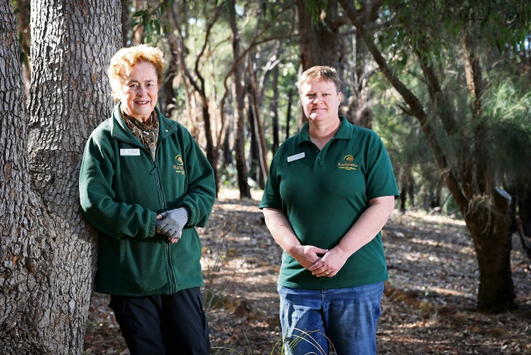 June Butcher and Lindy Brice . Lindy helped to identify a new parasite that affects a particular species of bird and the parasite was named after Kanyana Founder June Butcher. Picture: David Baylis. d482517c